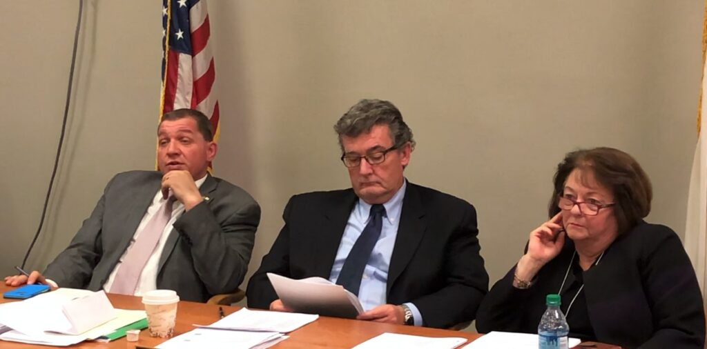Punching in and taking off: Fake quorums at State House committee meetings
