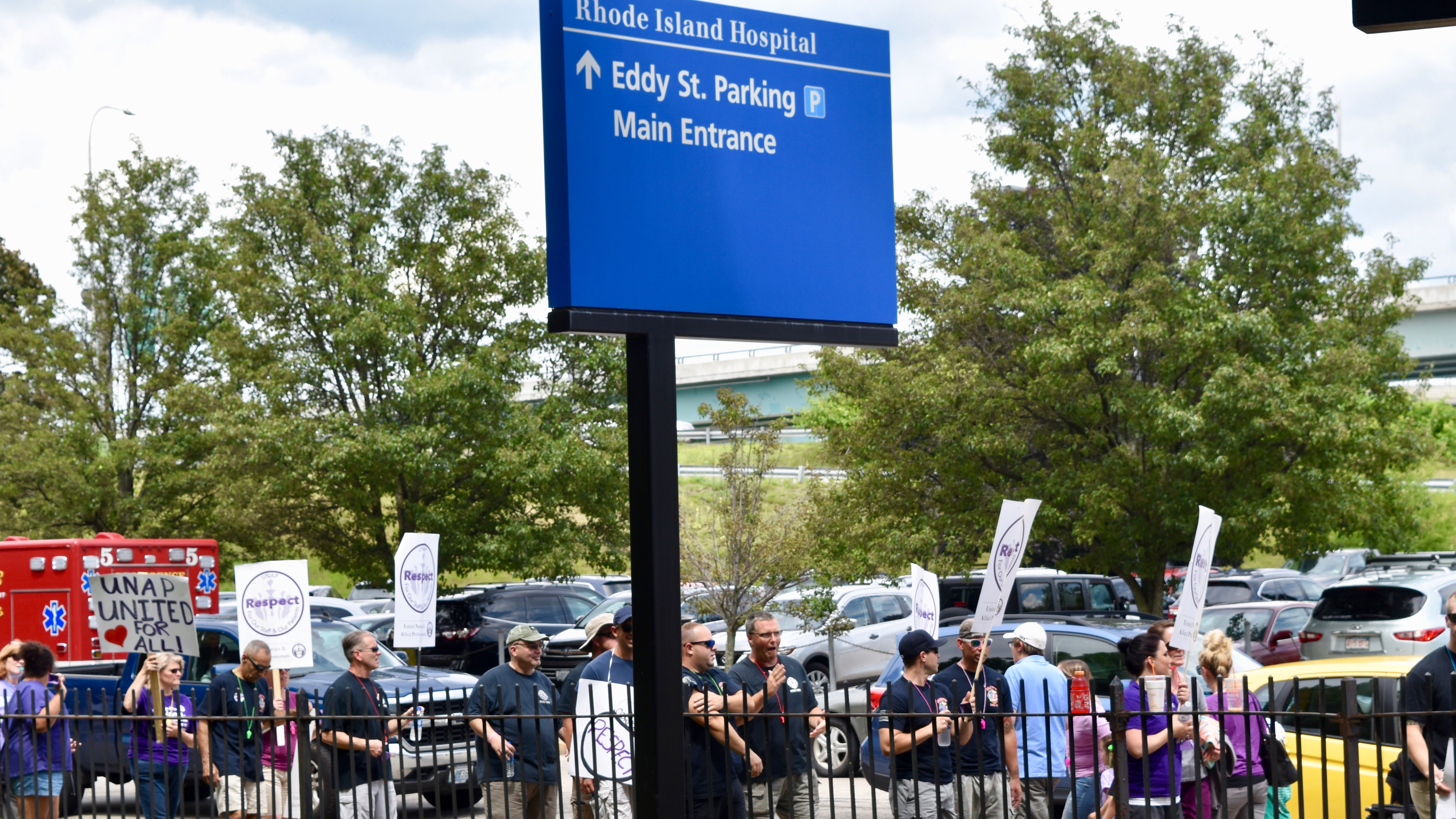 UNAP members conduct informational picket outside Rhode