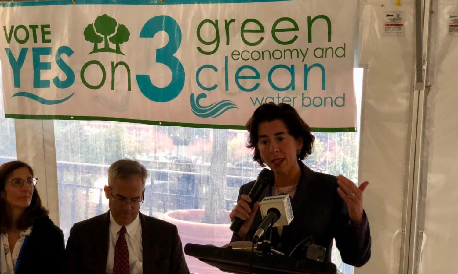 Photo for Yes on 3: Save The Bay holds rally in support for the Green Economy and Clean Water Bond