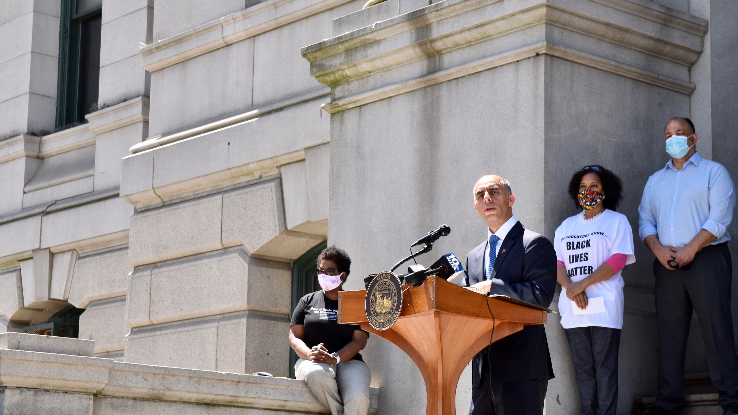 """Photo for Mayor Elorza announces removal of """"Plantations"""" from city documents and oath ceremonies"""