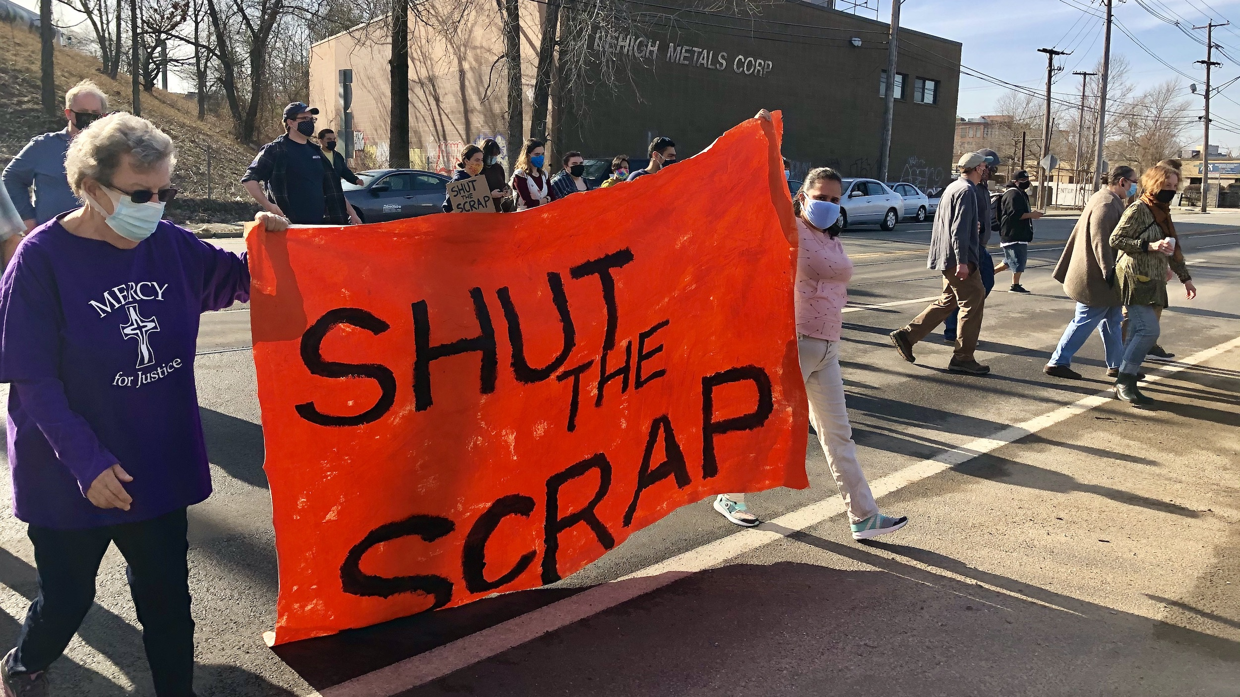 Photo for People's Port Authority rallies to shut down scrap metal yard and all toxic industries in the Port