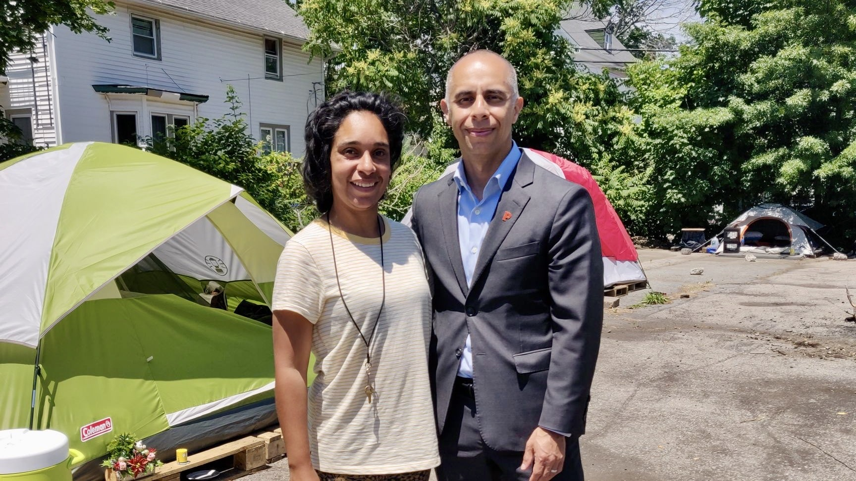 Photo for Mayor Elorza meets with unhoused encampment leaders