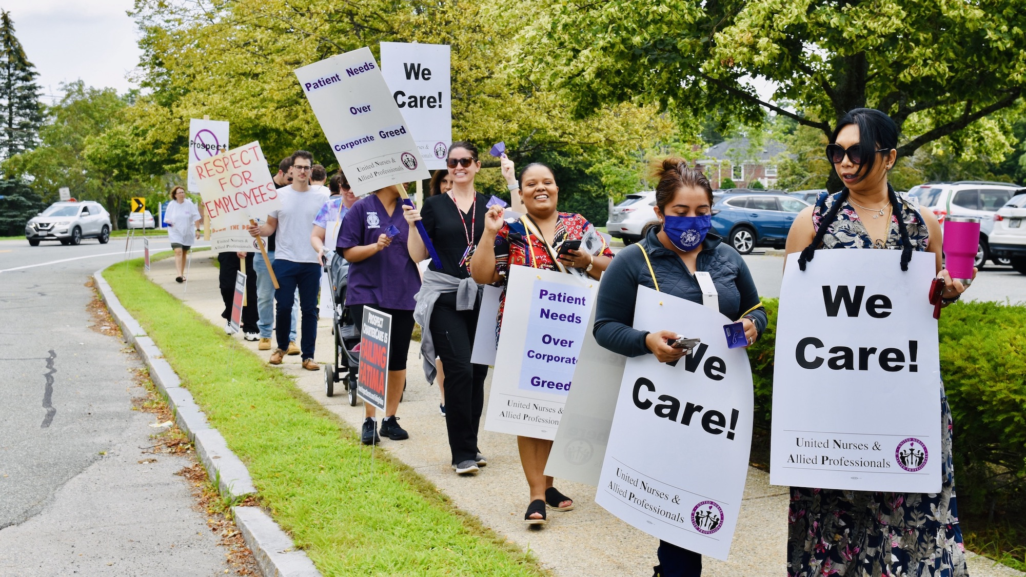 Photo for Fatima Hospital workers hold informational picket as contract talks stall